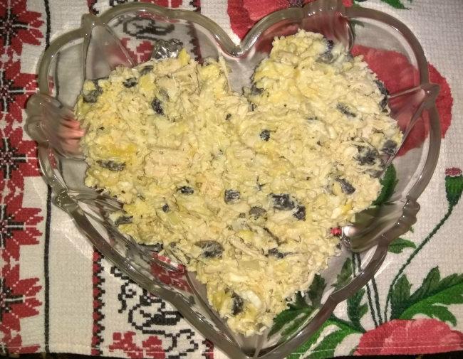 Салаты с курицей и сыром и грибами