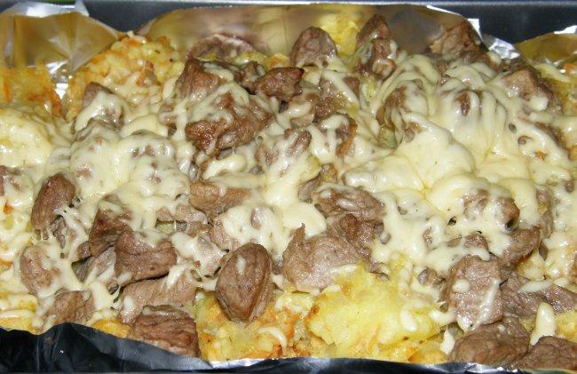 рецепт мяса с картошкой в духовке под сыром с