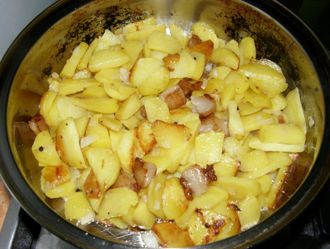 Жареная картошка с луком - пошаговый рецепт с фото: как ...