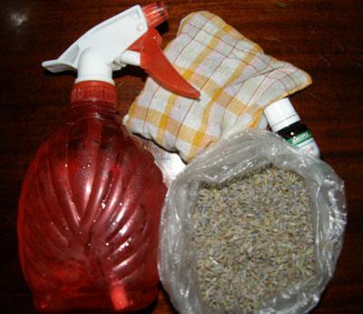 Приятный аромат: зашитая в мешочек сухая лаванда, эфирные масла