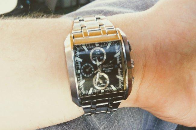 Як вибрати чоловічий наручний годинник e1c13dd27ce4f