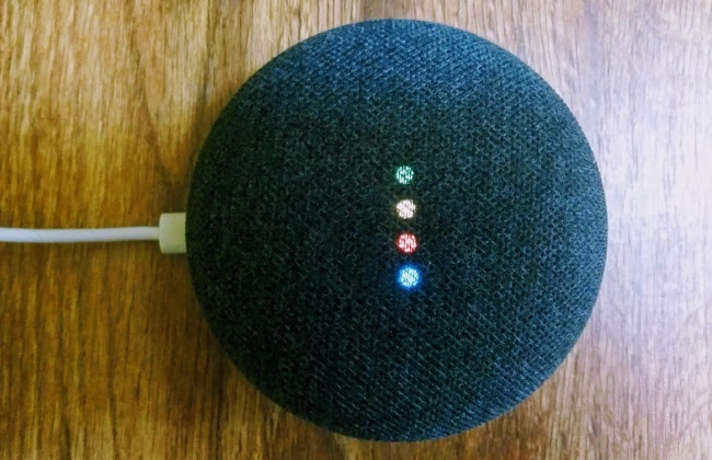 Умная колонка Google Home mini
