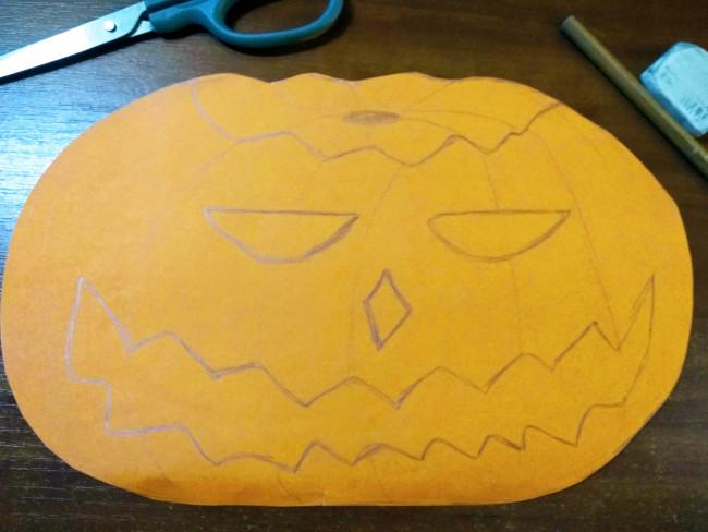 Нарисованный светильник Джека на цветной бумаге