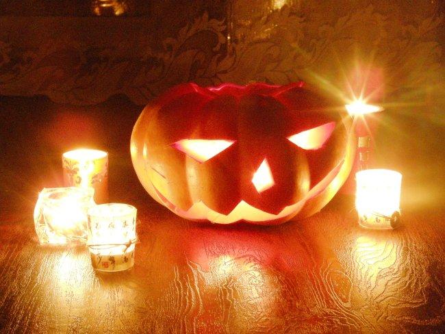 Вырезанная тыква на Хеллоуин своими руками